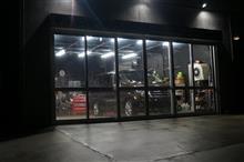 脇や店長マシン アルファード ガラス面の作業などを終え1工程目の磨き作業を完了です^^