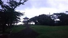 夏の早朝権現山は曇