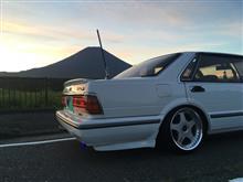 朝のY31と富士山