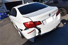 BMW F10 5シリーズ 緊急事故入庫(>_<) 作業と入庫!