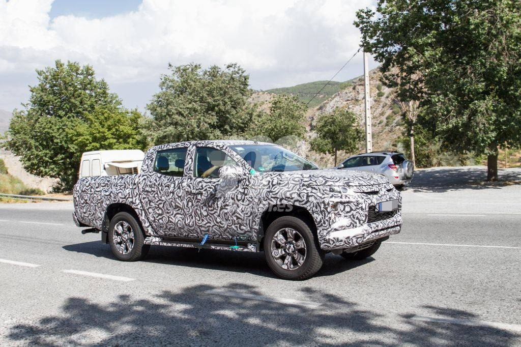Spy Shots : Mitsubishi L200 ( Triton ) facelift - Dynamic Shield Face Ⅲ ・・・・