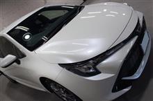 伝統モデルの復活。トヨタ・カローラスポーツ のガラスコーティング【リボルト岡崎】