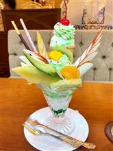 フルーツパフェ、ナポリタンと珈琲で昭和の夢を満喫:新宿・東京都