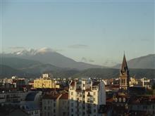 ホテルの窓辺から44 French Alpsの朝 / Grenoble France