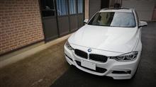 BMWで県内有数のチャンスセンターへ宝くじを買いに行った。