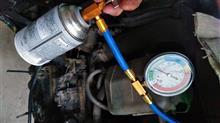 トラクターのエアコンガス補充