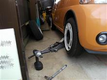 タイヤ交換時のジャッキアップ