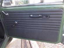 ローバーミニ ドアハンドル小細工とW113とのオーディオ交換
