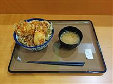 伊勢湾岸道下り刈谷SA 名古屋コーチンの鶏天とろ玉丼980円