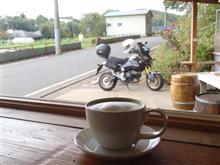 何時ものカフェへ