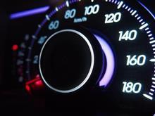 時速280キロ スピード注意 プロテクタ