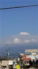 今日の富士山頂がチラッ見えなぅ