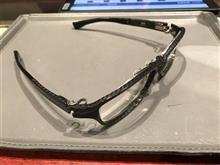 カーボンフレームのメガネ