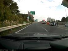 高速道路に白バイ?