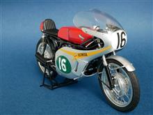 Tamiya 1/2 HONDA RC166 GP RACER (No.16 Mike hailwood 1966 Isle of Man TT Race)