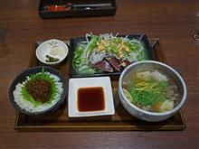 名神高速下り大津SA カツオのタタキと近江牛肉吸い1480円