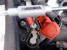 A6@C6のボンネット内バッテリー端子からプラス電源を確保する