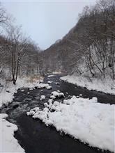 12月8日 氷点下、川辺で車中泊