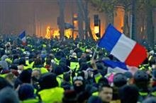 フランスのデモのニュースを見ながら思う革命権。