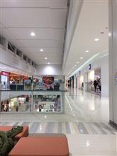 ショッピングモールは夜から。