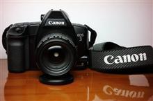 高性能フィルムカメラ EOS-3