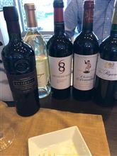 今夜は先輩宅でワインを飲む会。