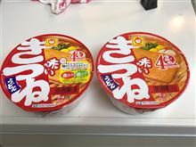 カップ麺の東と西