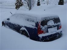 パーキングブレーキ、冬はかけてはいけない!それって雪国の常識?
