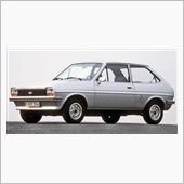 41年前の初代フォード・フィ ...