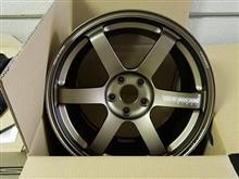 今日のホイール Rays VolkRacing TE37SAGA(レイズ ボルクレーシング TE37サーガ) -ニッサン フェアレディZ用-