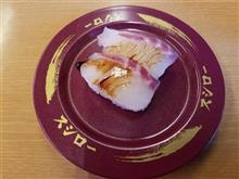 仕事終わりに同僚の運転手と回転寿司を愉しむ