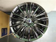 今日のホイール Rays VERSUS STATAGIA VOUGE(レイズ ベルサス ストラテジーア ヴォウジェ) -トヨタ 30ヴェルファイア用-