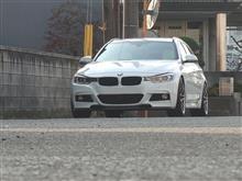 F31 BMW 3シリーズ ツーリングにホワイトシートカバーインストール♪の巻