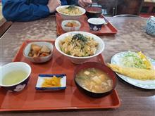 会社の同僚と豊田南部のレトロ食堂にてカツ丼定食を愉しむ