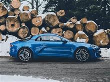 新しいスポーツカー。