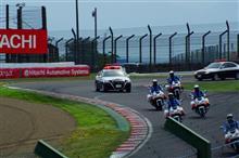 スーパーGT第3戦鈴鹿。真夏のような暑さの中で熱いレースを観戦!