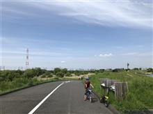 彩湖をサイクリング