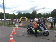 「北軽井沢マラソン」をEVバイクで先導