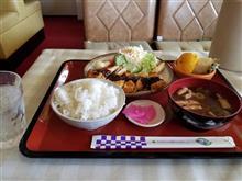 知立のレトロ喫茶店にて味噌カツ定食を愉しむ