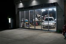 自家用耐候試験デモ車 ドアミラーの部分施工で1層目の塗り込みまで完了です^^