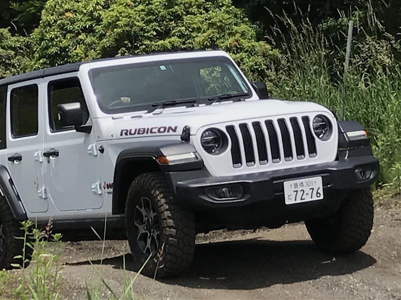 オフロードコースでジープをイッキ乗り! 『Jeep All Trail Rated試乗会』で20度超の坂を上ったり下ったり傾いたりしてきました。