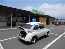 暑い中スバルと、最近目につく違反車両。
