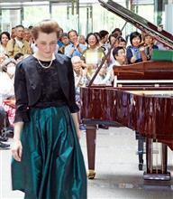イリーナ・メジューエワ、所沢市役所市民ホールミニコンサート。