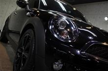 ピカピカボディーに変身!BMWミニ・クーパーSロードスターのガラスコーティング【リボルト沖縄】