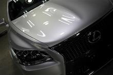 美しいボディーが似合う車!LEXUS・LS600hのガラスコーティング【リボルト沖縄】