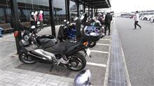 バイク日和だったので、アプリリア号で横浜横須賀へ。