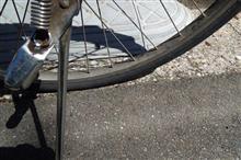 自転車の空気が抜けてる~原因はアレかな♪