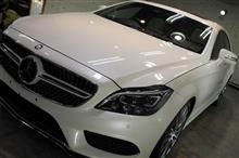 輸入車の固い塗装をどう磨く!メルセデスベンツCLS400のガラスコーティング【リボルト沖縄】