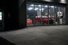レクサスUX Fsports 2層目の塗り込み前作業を終え 塗り込み開始です^^