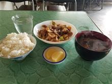 豊田市街の超レトロ食堂にて朝から焼肉を愉しむ